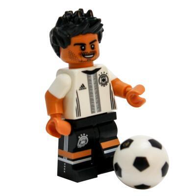 Serie 71014 Lego  DFB - Die Mannschaft - Minifigur Nr. 5 Mats Hummels