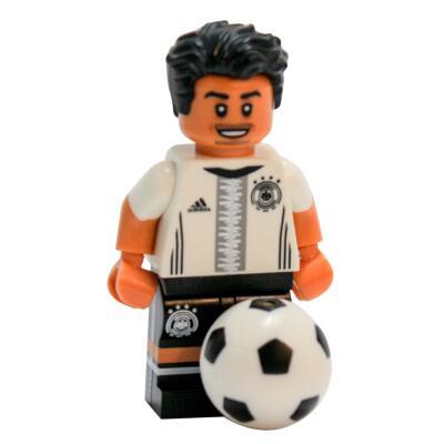 Serie 71014 Lego  DFB - Die Mannschaft - Minifigur Nr. 8 Mesut Özil