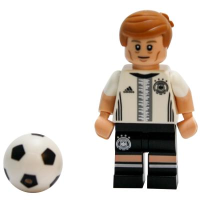 Serie 71014 Lego  DFB - Die Mannschaft - Minifigur Nr. 18 Toni Kroos