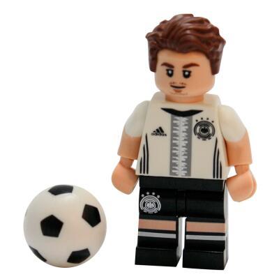 Serie 71014 Lego  DFB - Die Mannschaft - Minifigur Nr. 19 Mario Götze